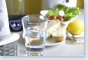 朝・目覚めの一杯に。水素水が体に浸透します。